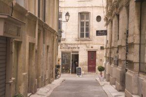 Malerische Gasse in Montpellier