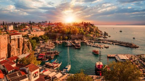 Billigflüge Antalya