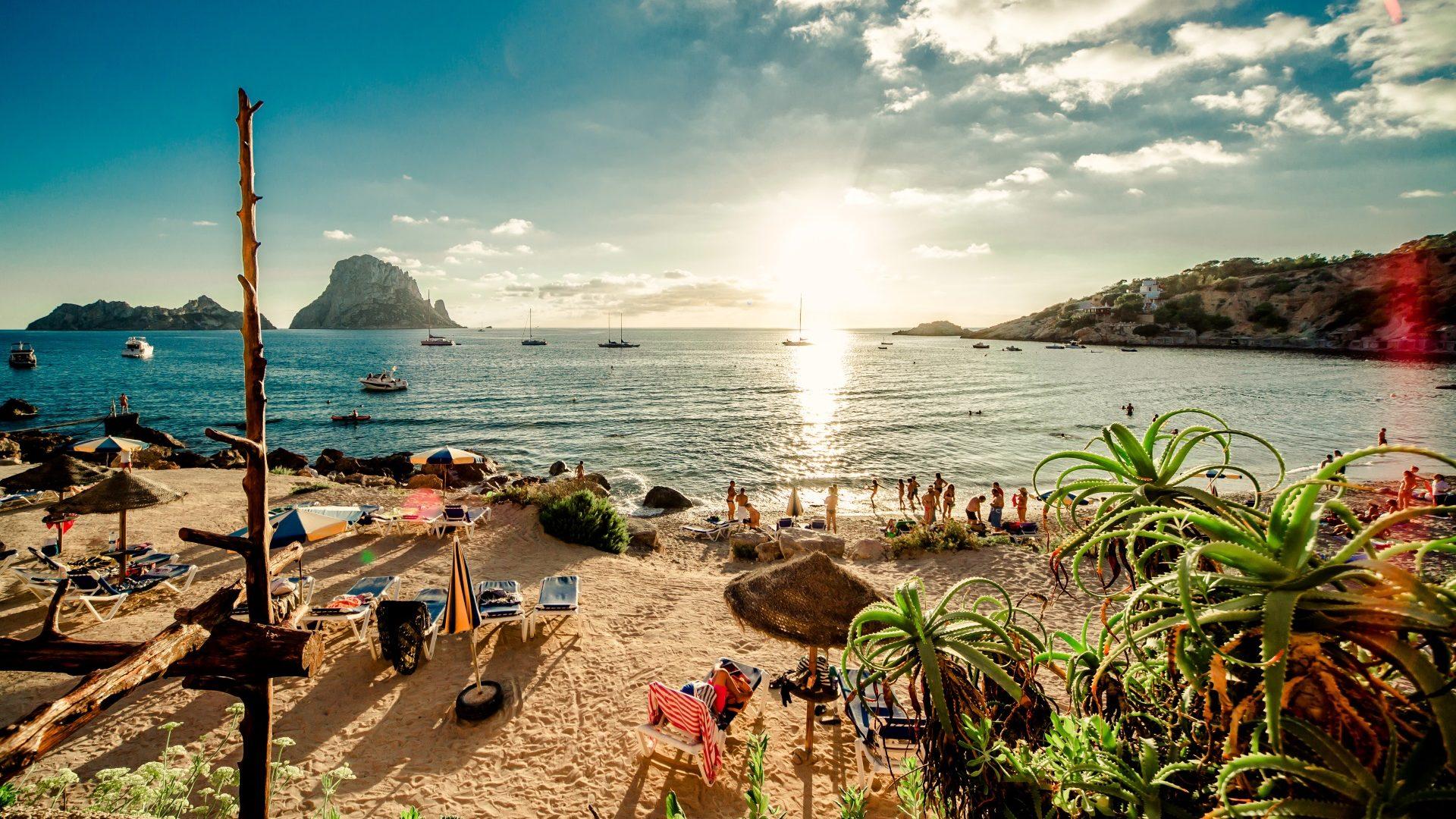 Billigflüge nach Ibiza